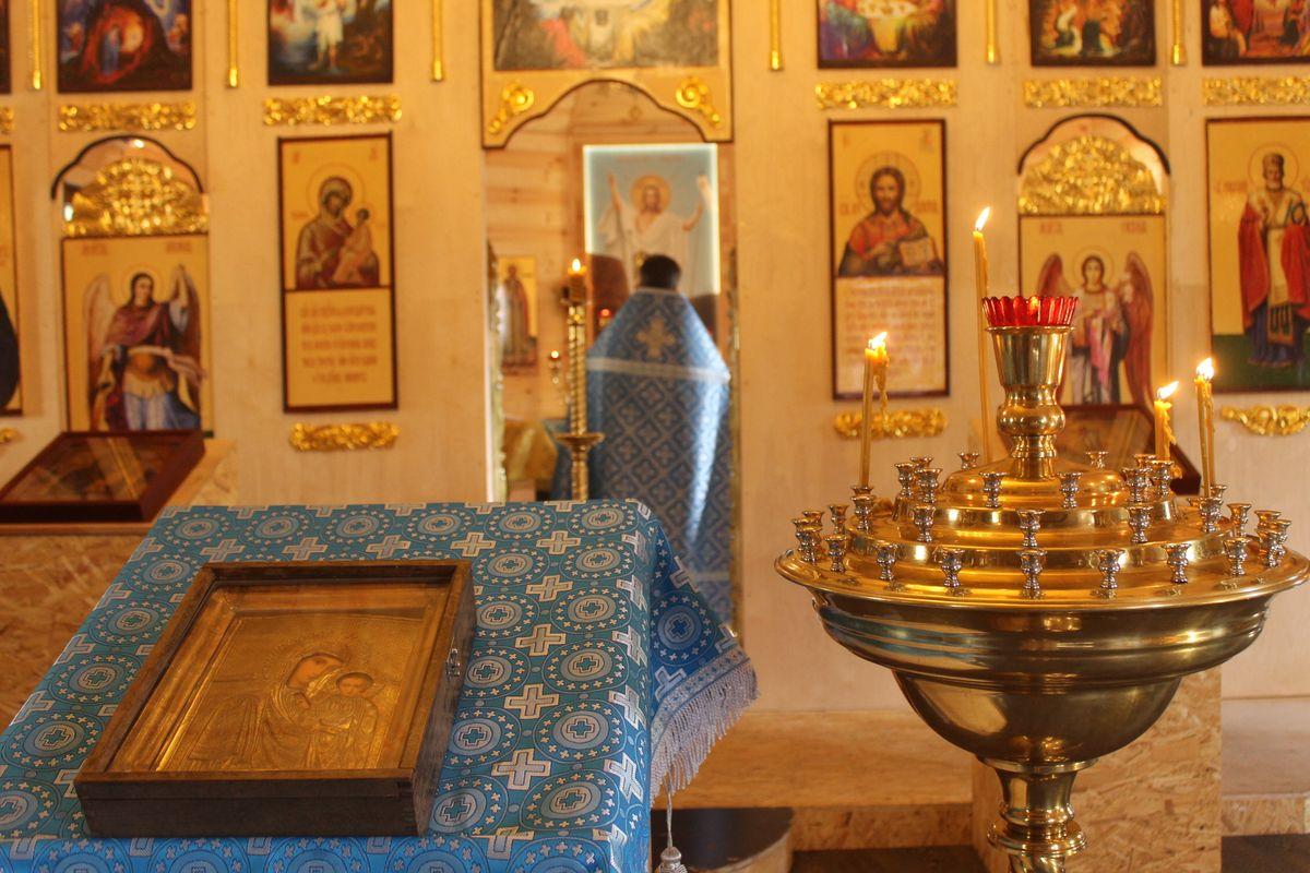 Неделя 5-ая по Пятидесятнице. Явление иконы Пресвятой Богородицы во граде Казани.